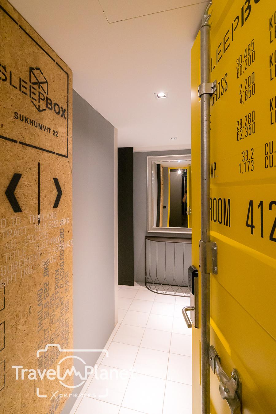Sleepbox Sukhumvit 22 Double Room