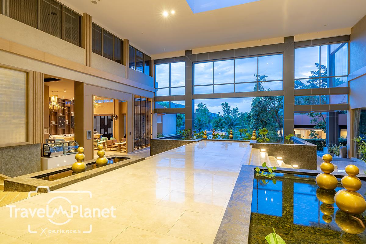 AVANI Hua Hin Resort & Villas Lobby