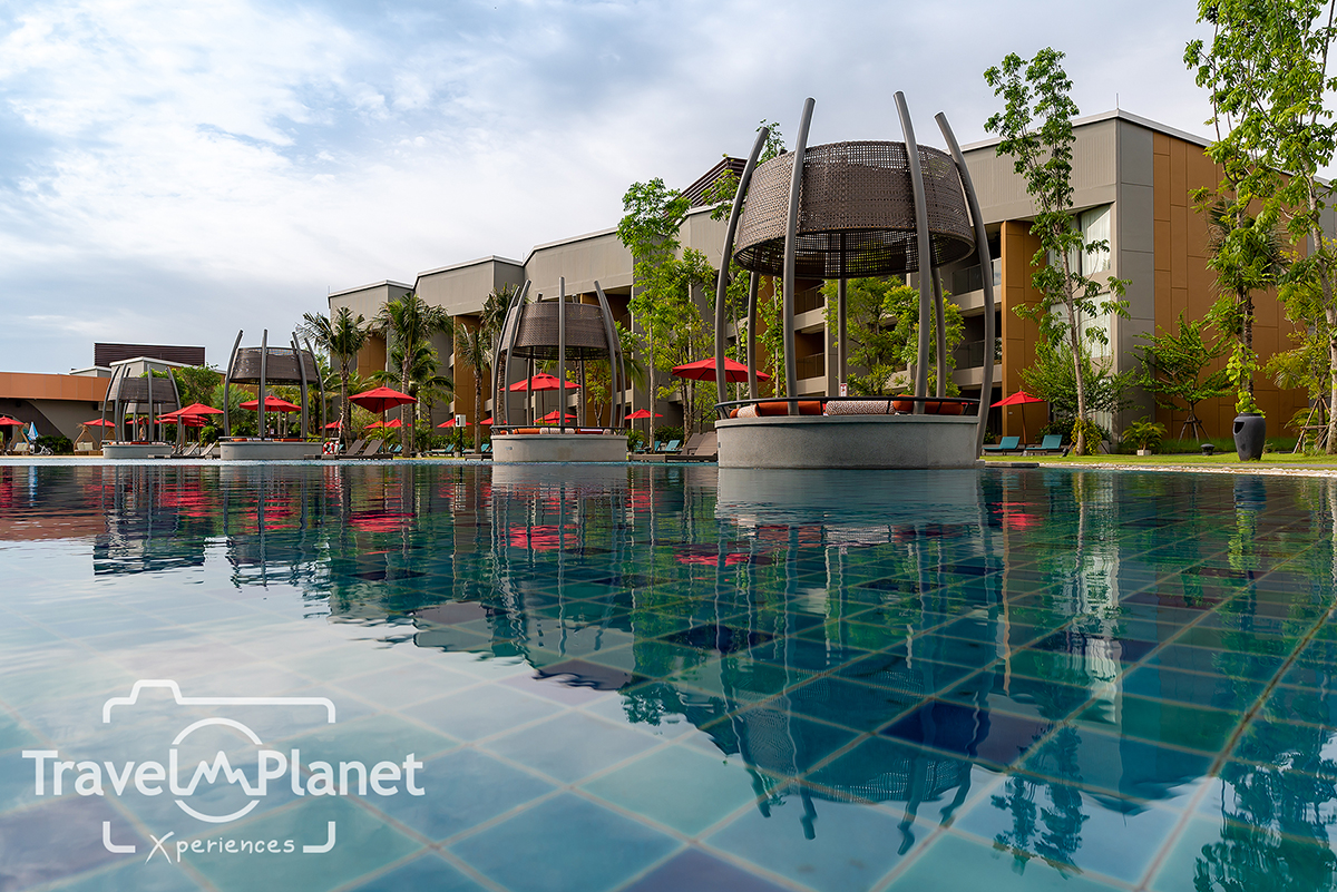 AVANI Hua Hin Resort & Villas building