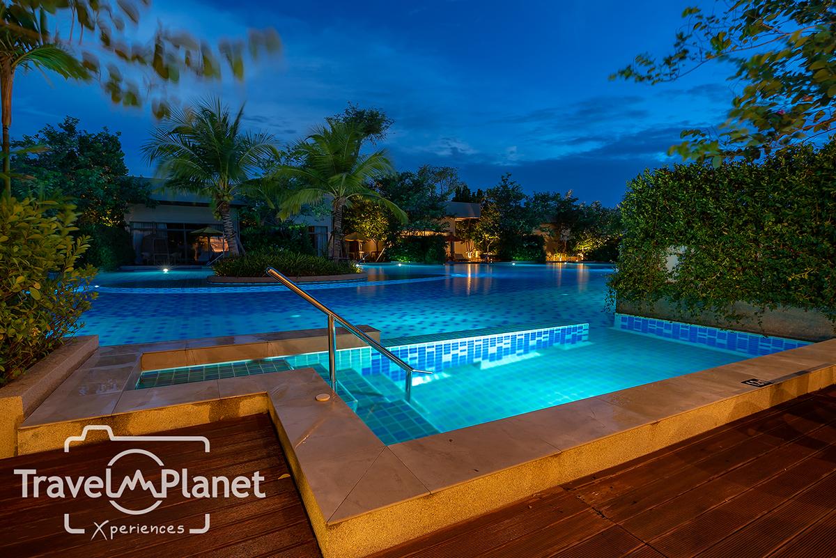 สระว่ายน้ำ AVANI Lagoon Pool Villa