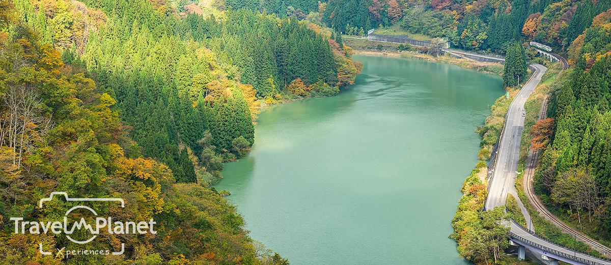 ใบไม้แดง Fukushima Koyo Tadami Hayato View Point