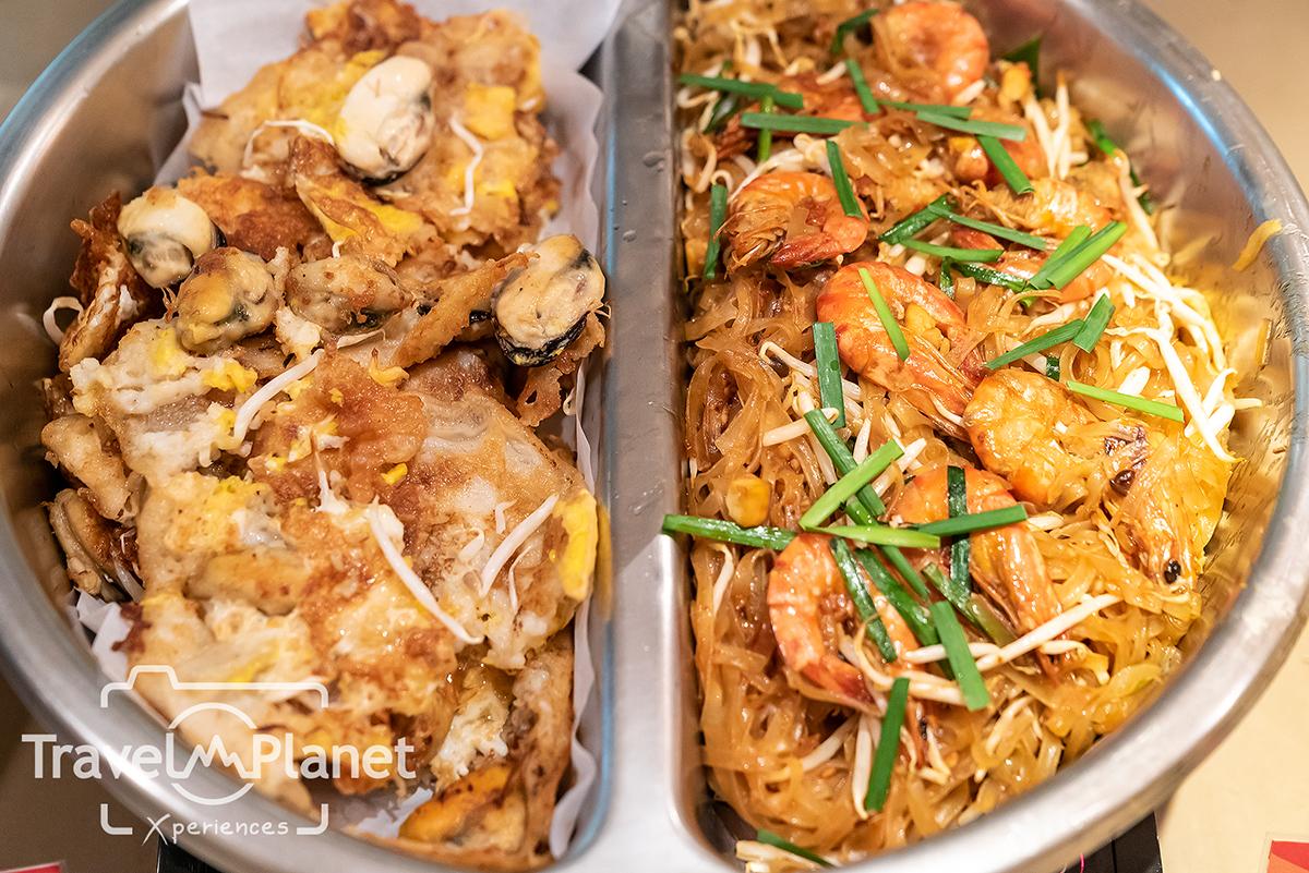 บุฟเฟ่ต์กุ้งเผา ร้านอาหารเดอะสแควร์โรงแรมโนโวเทล กรุงเทพ ฟีนิกซ์ สีลม ผัดไทย หอยทอด