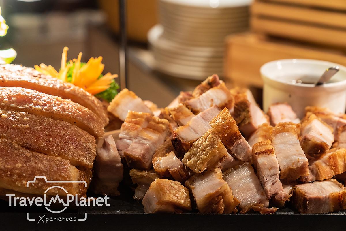 บุฟเฟ่ต์กุ้งเผา ร้านอาหารเดอะสแควร์โรงแรมโนโวเทล กรุงเทพ ฟีนิกซ์ สีลม ผัดไทย หอยทอด หมูกรอบ