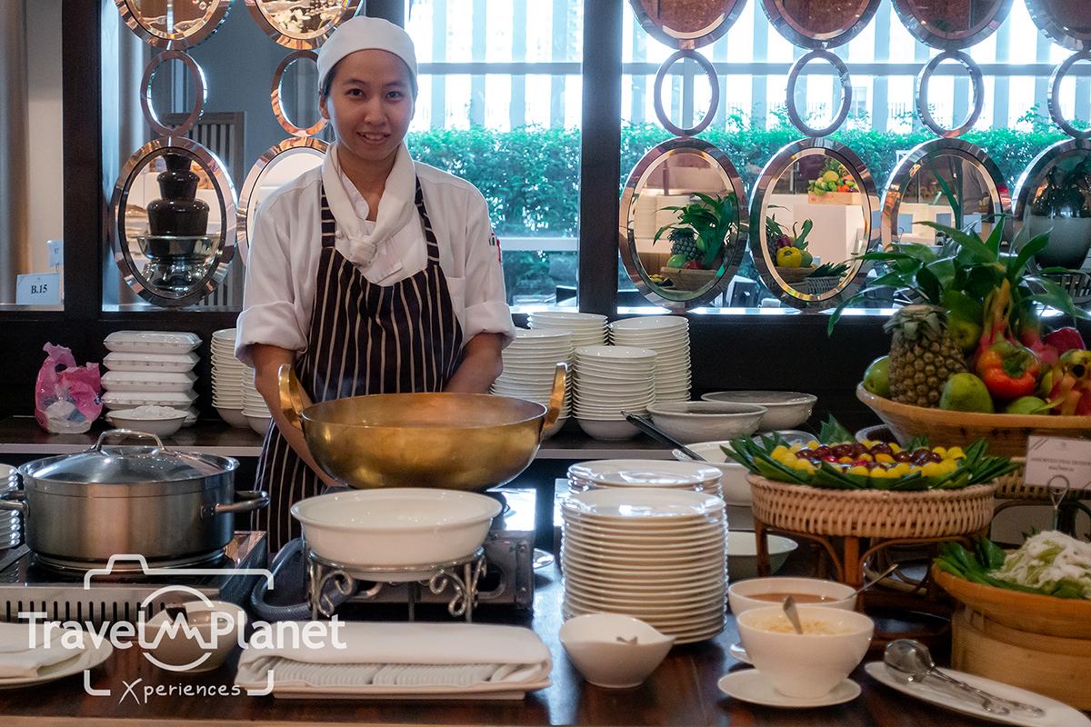ห้องอาหารเดอะ เบอร์เคลีย์ ไดนิ่ง รูม โรงแรมเดอะ เบอร์เคลีย์ ประตูน้ํา - ขนมไทย