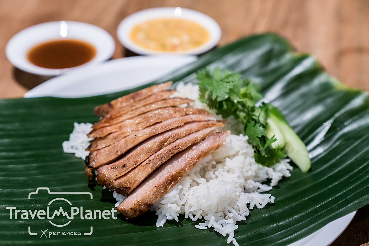 ไทย เทส ฮับ มหานคร คิวบ์ Thai Taste Hub Mahanakhon Cube คอหมูพระรราม 5