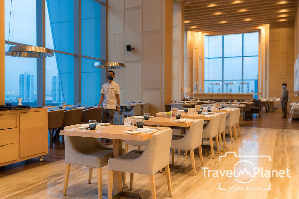 PREMIUM SEAFOOD NIGHT ยกกองทัพอาหารทะเลขึ้นบก ห้องอาหาร SKYLINE โรงแรมอวานี พลัส ริเวอร์ไซด์